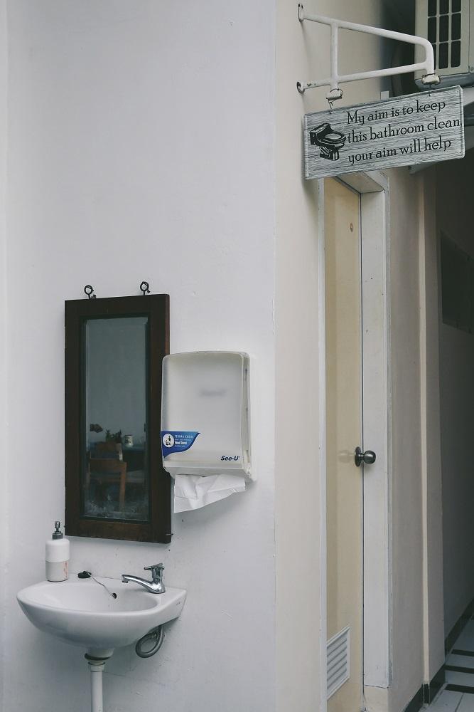 Toilet yang terjaga kebersihan nya