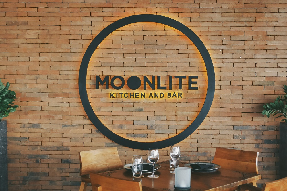 MOONLITE Kitchen And Bar