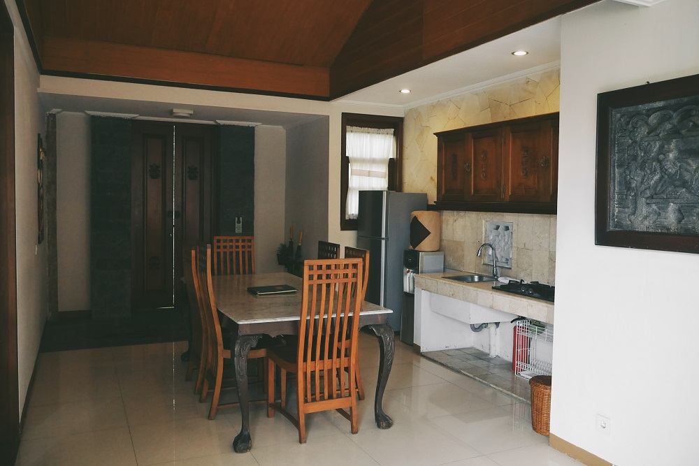 Meja Makan dan Dapur Bersih Three Bedroom Pool Villa