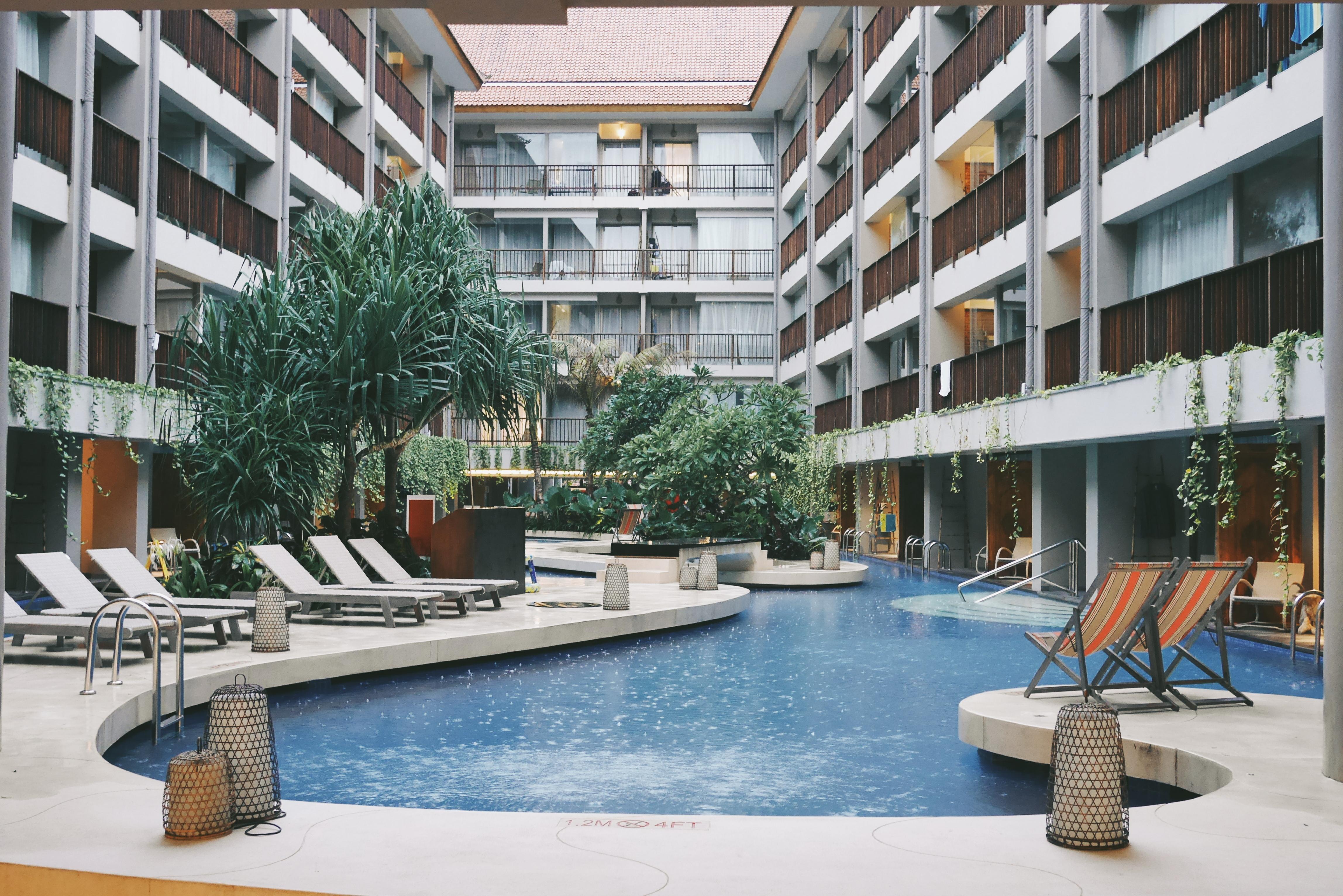 Pemandangan Lagoon Pool bisa dinikmati dari Balkon Kamar