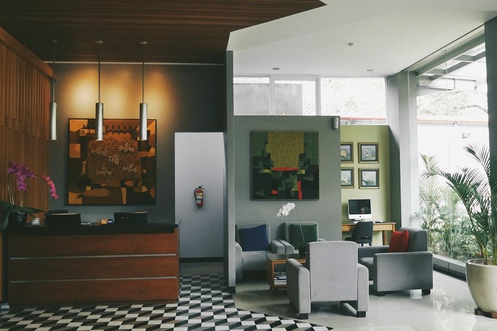 Meja Reception dan Sofa