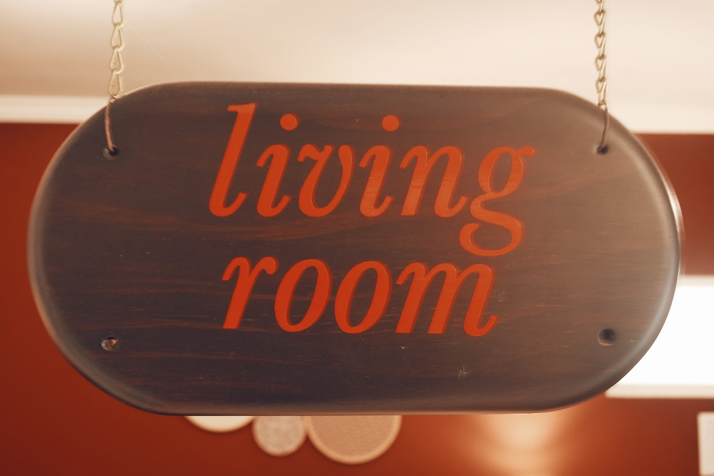 Papan Nama Living Room