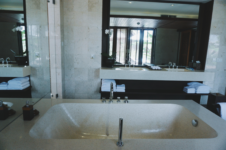 Bathtub dan Wastafel