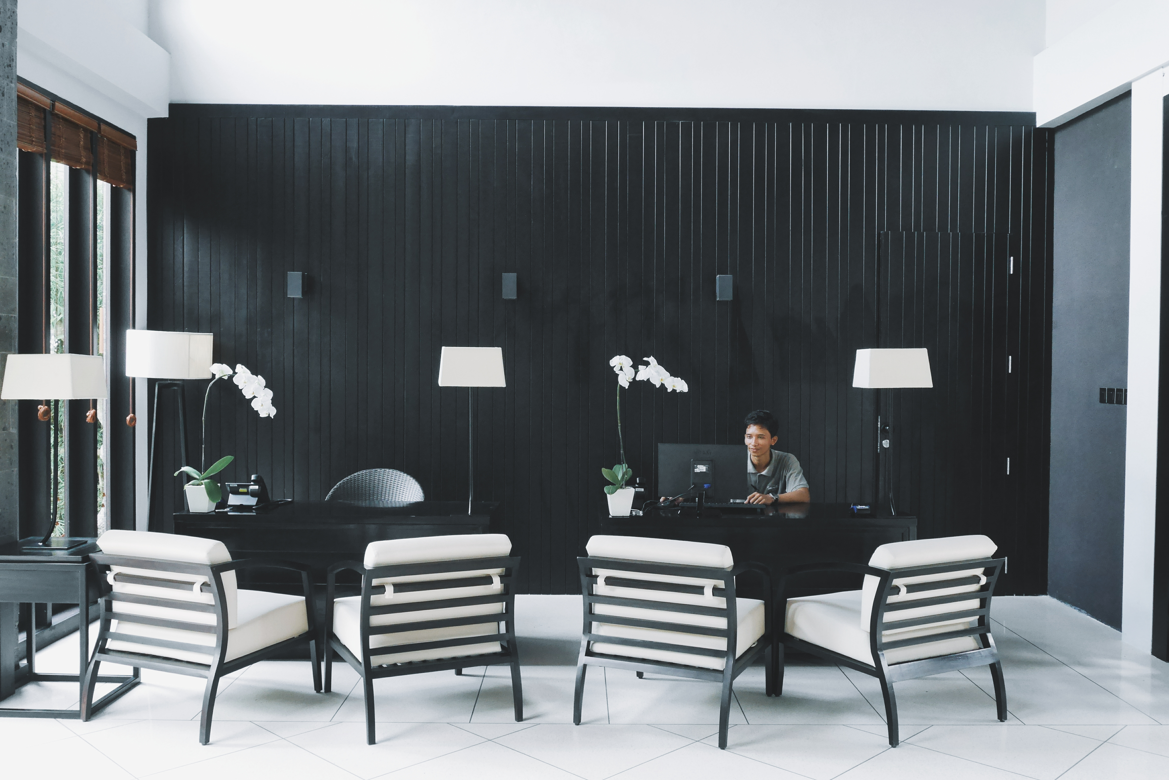 Meja dan Kursi Reception