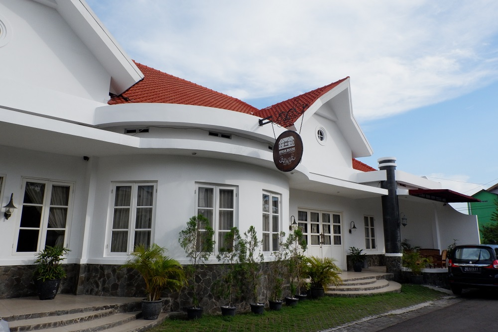 Ipienk House
